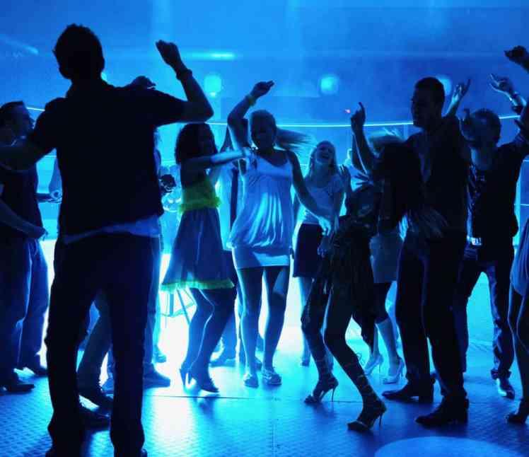 school_dances_parties-2